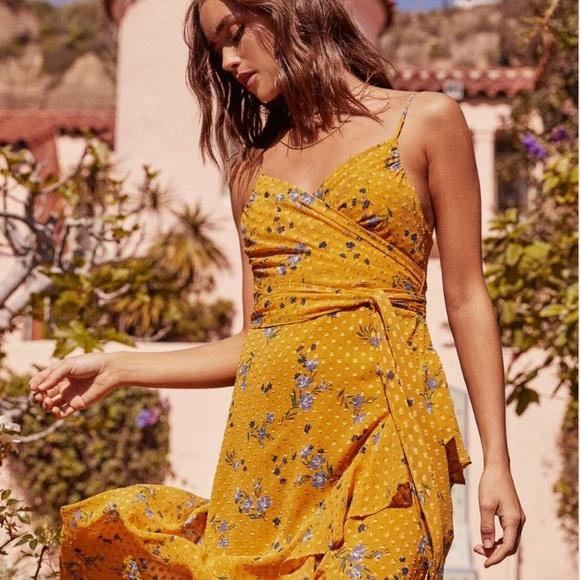 Astr Dresses & Skirts - ASTR The Label Bette Dress - XL